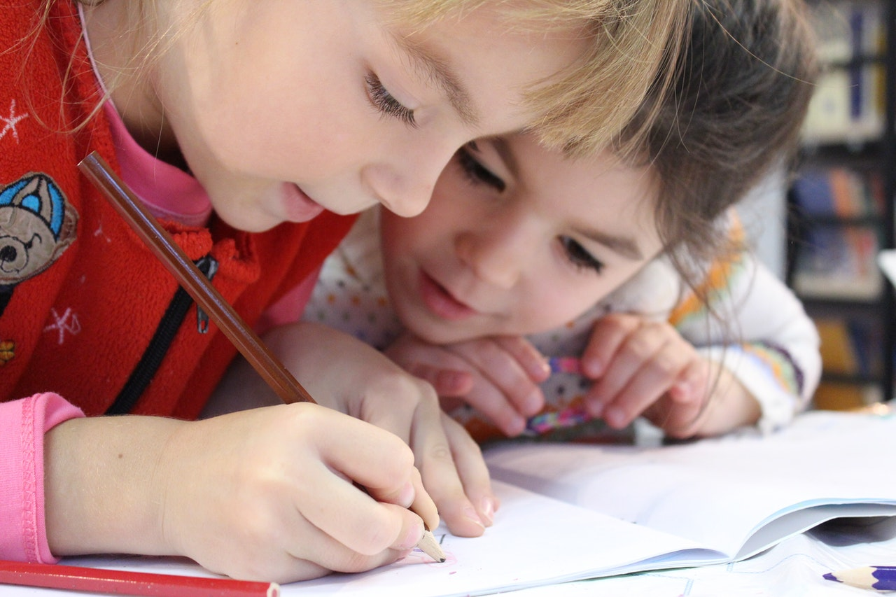 How Small Group Classes Help Kids Learn